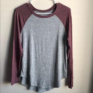 American Eagle woman's sweater